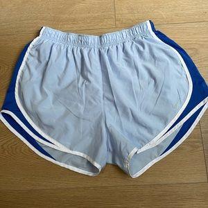 Nike running shorts 💙